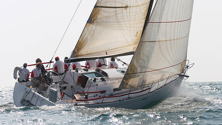 Аренда и прокат в испании яхты beneteau first